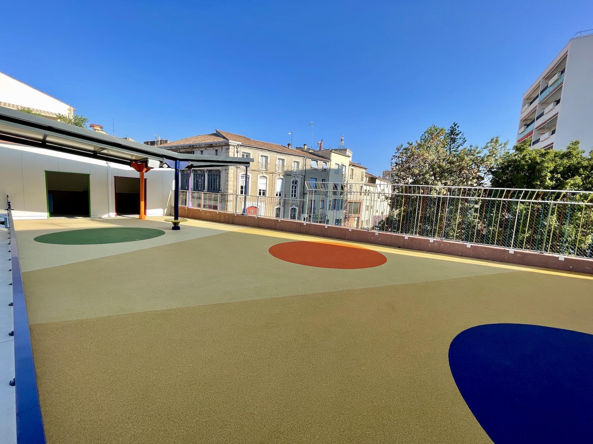 sol amortissant école maternelle Gard 30 PLAYTIL